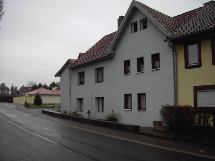 Bild 2: Großes, renovierungsbedürftiges Doppelhaus in Fahrenbach