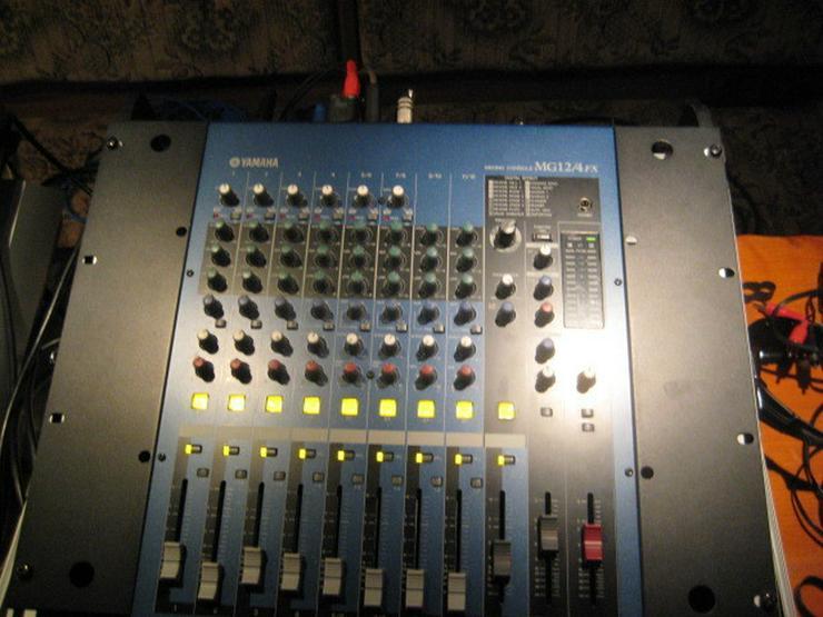 Bild 4: Yamaha 8 Kanal Mixer MG 12 / 4 Fx