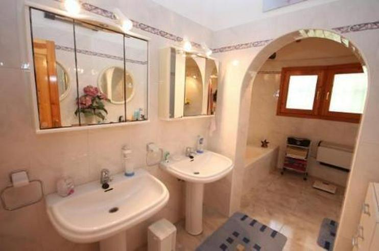 Bild 4: Sehr gepflegte und ausbaufähige Villa mit Pool und Meerblick