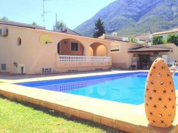Bild 1: Sehr gemütliche und gepflegte Villa mit Pool in Galeretes
