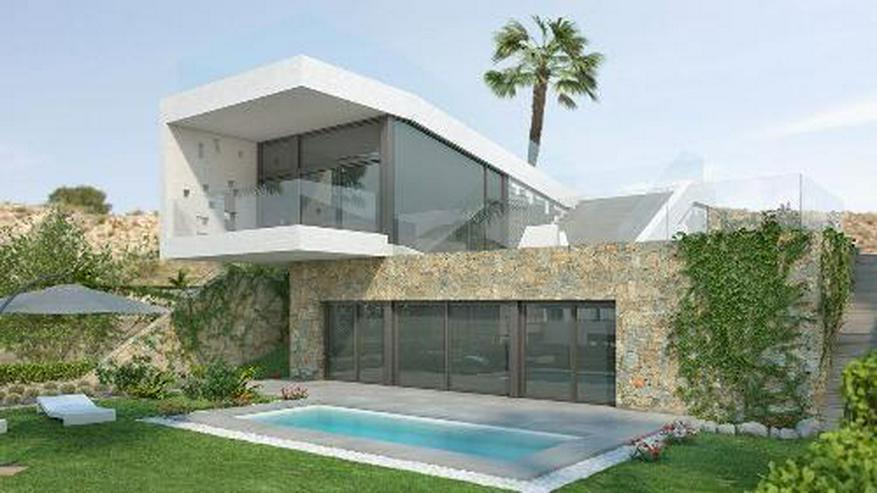 Moderne 4-Zimmer-Villen mit Privatpool in innovativem Design