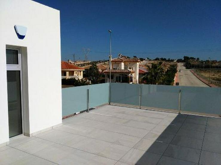 Bild 11: Wunderschöne und moderne Neubau-Villen in ruhiger Lage