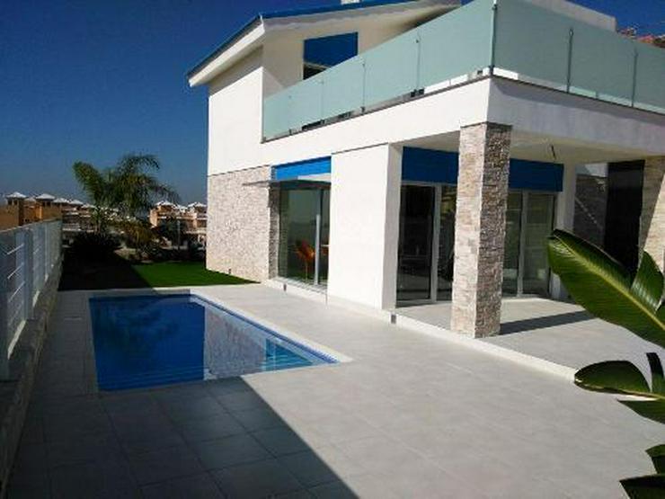 Wunderschöne und moderne Neubau-Villen in ruhiger Lage - Haus kaufen - Bild 1