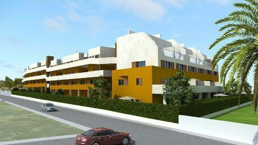 Bild 2: 4-Zimmer-Maisonette-Wohnungen mit Dachterrasse, Gemeinschaftspool und Meerblick nur 350 m ...