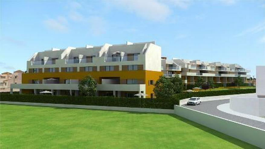 Bild 3: 4-Zimmer-Maisonette-Wohnungen mit Dachterrasse, Gemeinschaftspool und Meerblick nur 350 m ...