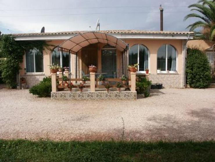 Bild 1: Landhaus-Villa mit Gästehaus, Pool und Tennisplatz