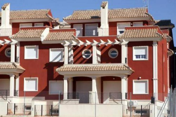 Reihenhäuser mit 3 Schlafzimmern ca. 1 km vom Strand - Haus kaufen - Bild 1