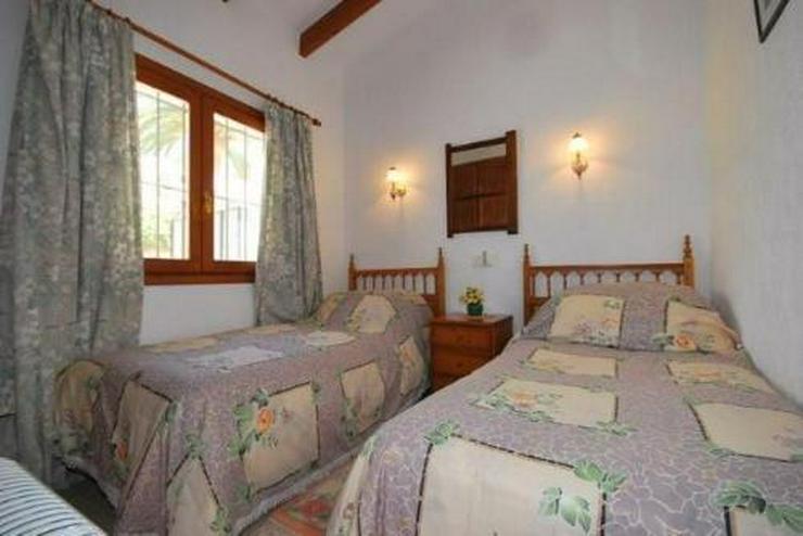 Bild 5: 3-Schlafzimmer-Villa mit Gemeinschaftspool
