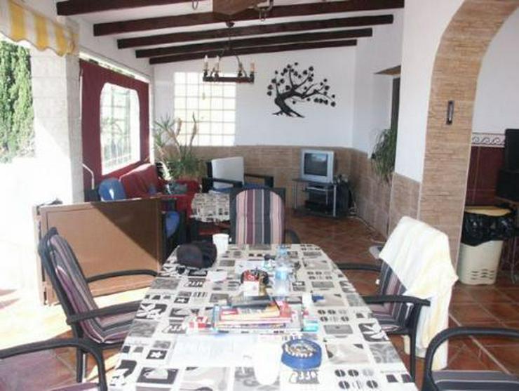 Bild 3: Großzügige Villa mit Pool und Gästeappartement
