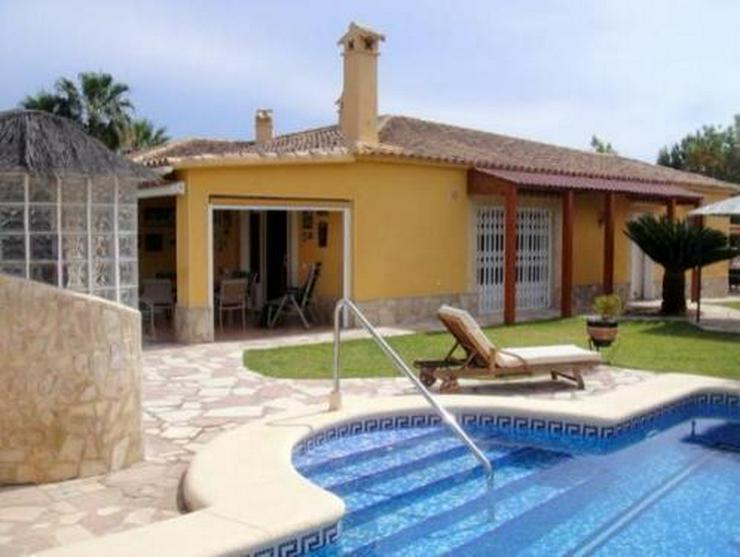 Schöne Villa mit Pool und vielen Extras nur 800 m vom Meer