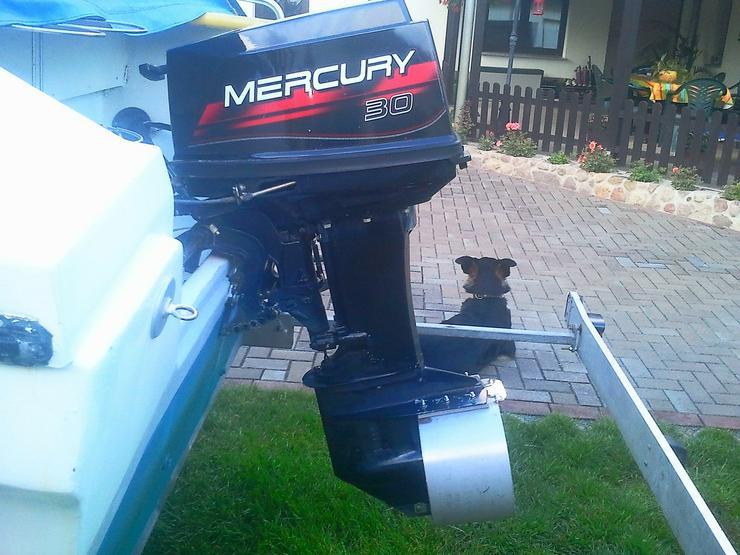 Bild 2: Außenbordmotor Mercury 30 PS 2-Takt E-Start