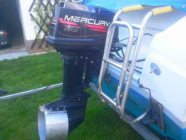 Bild 4: Außenbordmotor Mercury 30 PS 2-Takt E-Start