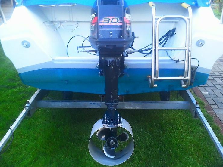 Bild 5: Außenbordmotor Mercury 30 PS 2-Takt E-Start