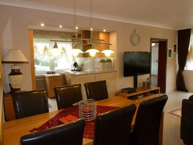 Wunderschöne 4-Zimmer Wohnung mit edler Ausstatung und Balkon in ruhiger Lage