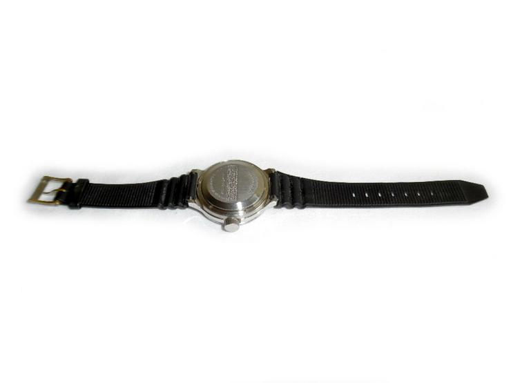 Bild 4: Selten schwarze Armbanduhr von Wostok