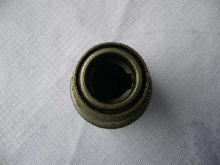 Bild 3: DEUTZ Anlassergetriebe mit Ritzel 2 006 209 213