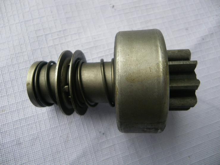Bild 5: DEUTZ Anlassergetriebe mit Ritzel 2 006 209 213