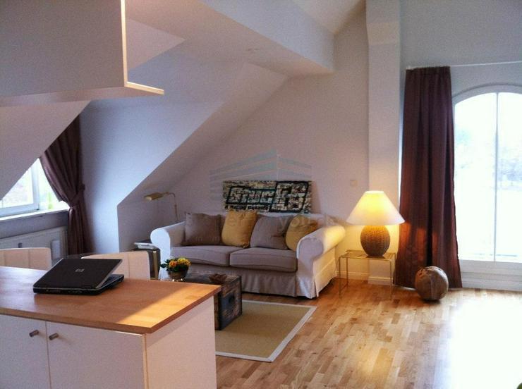 Große, möblierte 1,5-Zimmer-Dachterrassenwohnung in Waldtrudering inklusive Garage