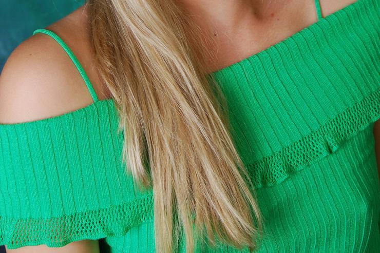 Bild 3: Pullover mit Stulpen in grün