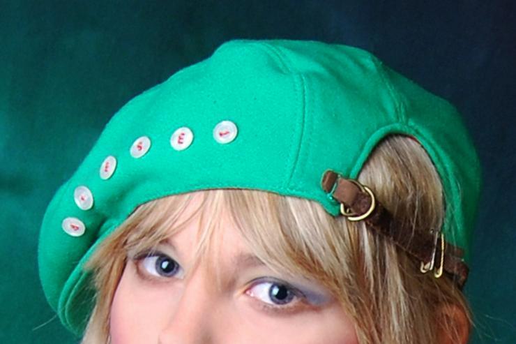 Bild 4: Pullover mit Stulpen in grün