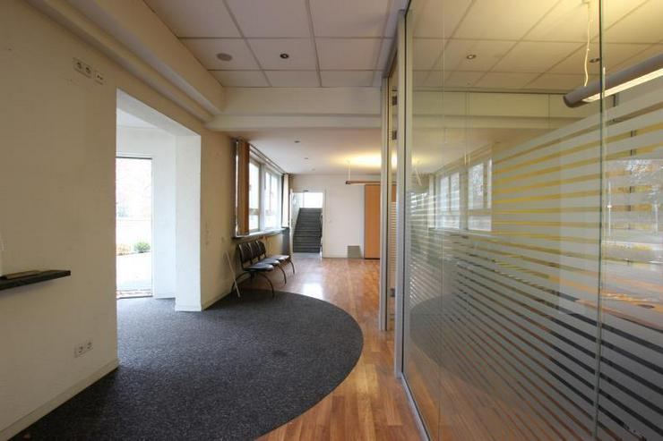 Bild 6: Büro/Laden - ideal für Fahrschule oder Autovermietung.