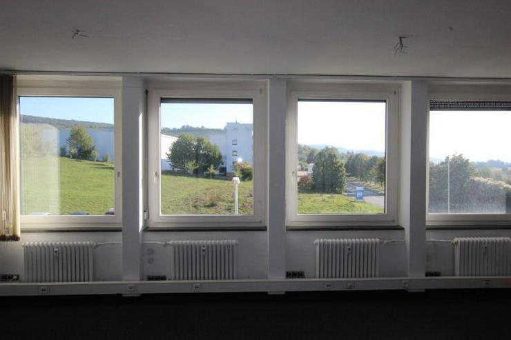 Bild 3: Provisionsfrei: Repräsentative, helle Büroflächen mit zahlreichen Stellplätzen - nahe ...