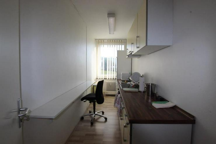 Bild 6: Provisionsfrei: Repräsentative, helle Büroflächen mit zahlreichen Stellplätzen - nahe ...