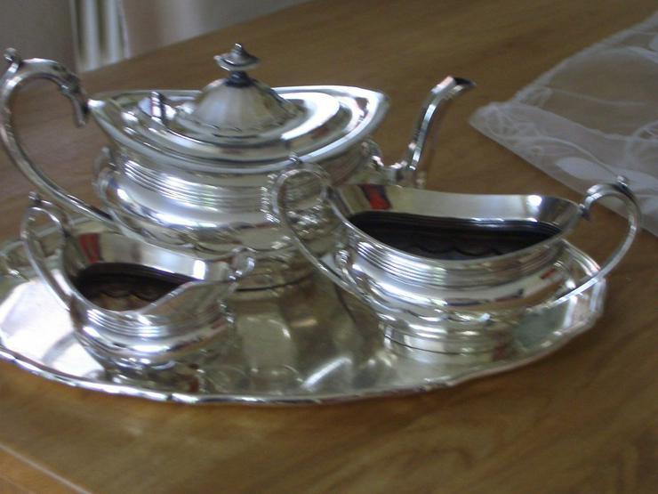 Silbernes Teeservice