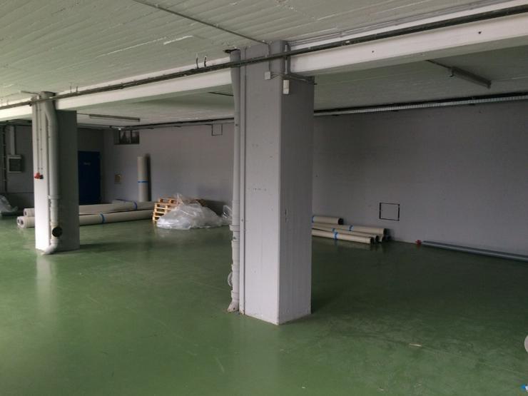Bild 3: Lagerfläche ca. 226 m² - Deckenhöhe ca. 3m, Lastenaufzug oder ebenerdig, Starkstrom, tr...