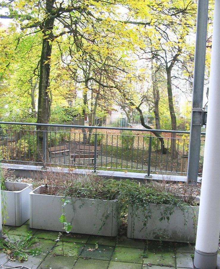 Bild 3: KAPITALANLAGE - Altersgerechte 1,5 Zimmerwohnung mit Einbauküche und Balkon in Leipzig Re...
