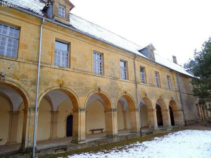 Bild 2: Ehemaliges Kloster in den Vogesen, 130 Km von Basel