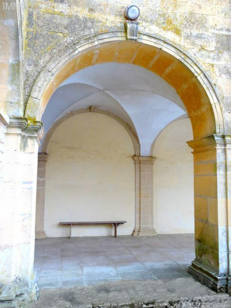 Bild 3: Ehemaliges Kloster in den Vogesen, 130 Km von Basel