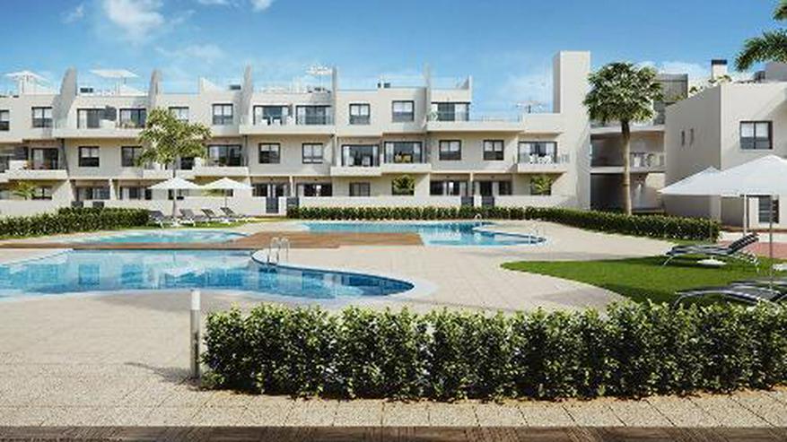Bild 3: Moderne Penthouse-Wohnungen mit Gemeinschaftspool in Strandnähe