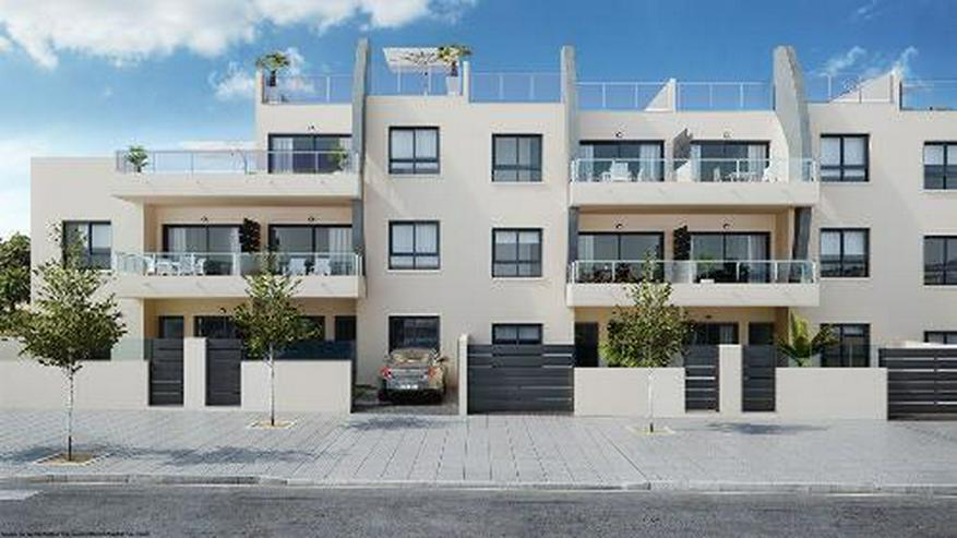 Bild 2: Moderne Penthouse-Wohnungen mit Gemeinschaftspool in Strandnähe