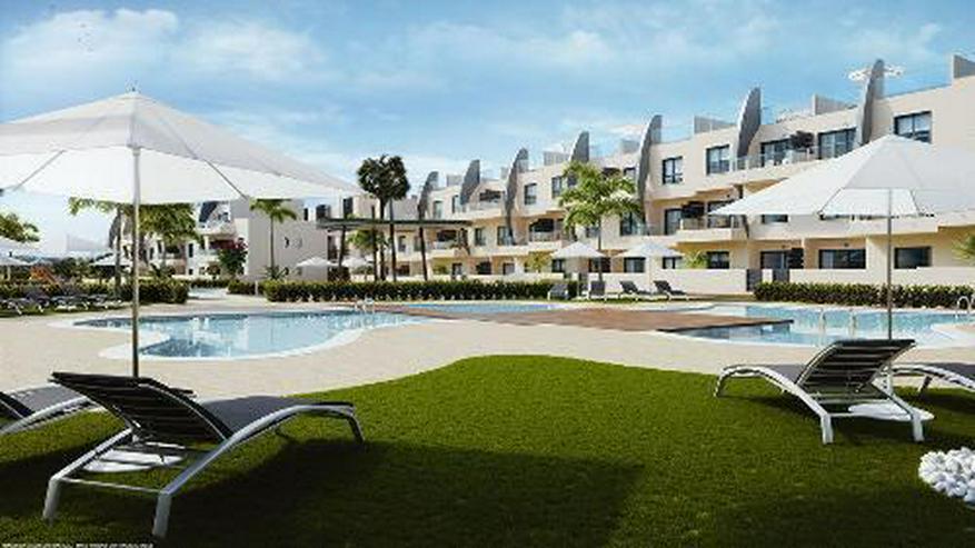 Moderne Penthouse-Wohnungen mit Gemeinschaftspool in Strandnähe - Bild 1