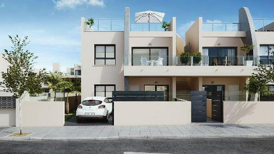 Bild 2: Moderne Obergeschoss-Wohnungen mit Gemeinschaftspool in Strandnähe