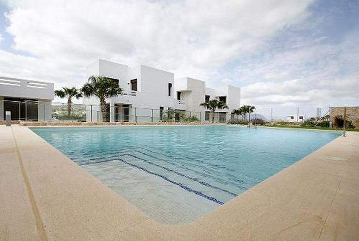 Moderne Erdgeschoss-Appartements in sehr schöner Golfanlage