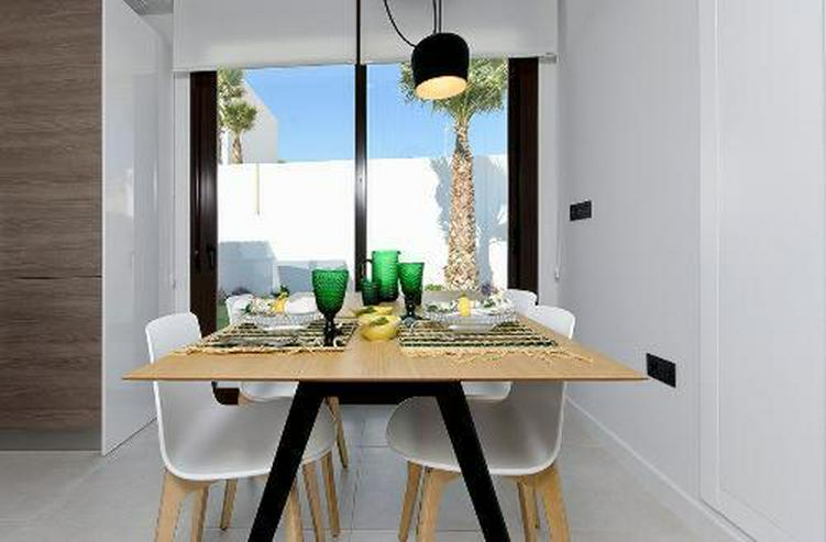 Bild 4: Moderne 4-Zimmer-Villen mit Gemeinschaftspool in wunderschöner Golfanlage