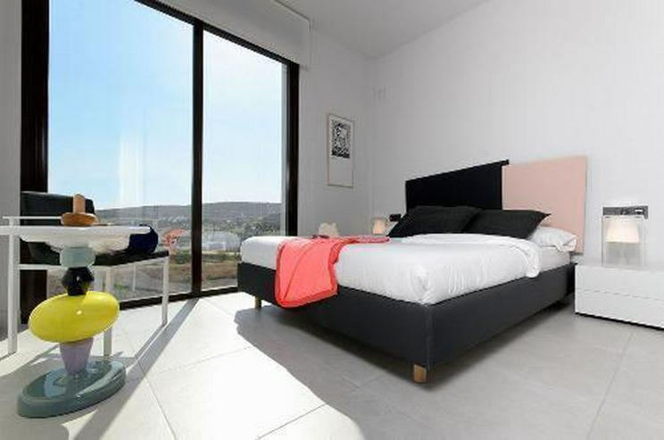 Bild 10: Moderne 4-Zimmer-Villen mit Gemeinschaftspool in wunderschöner Golfanlage