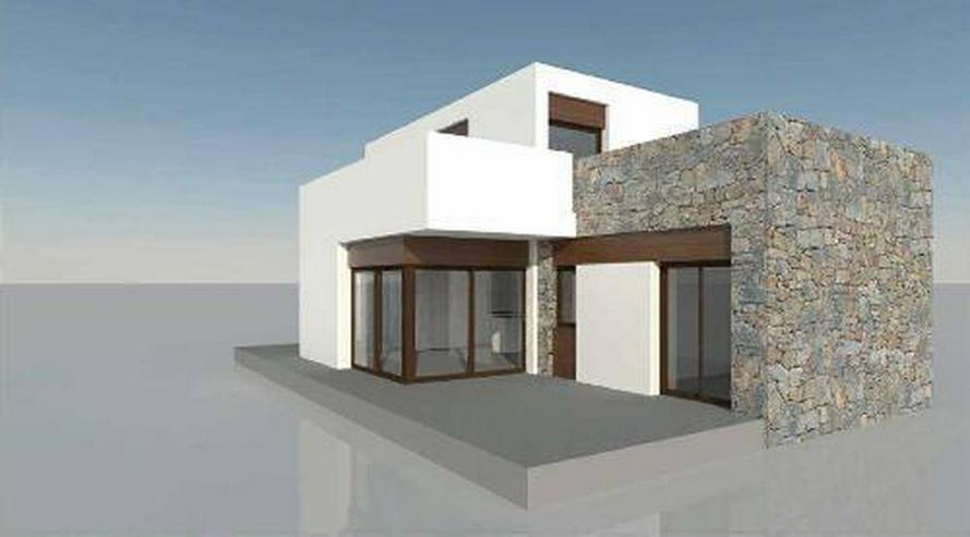 Moderne 4-Zimmer-Villen mit Gemeinschaftspool in wunderschöner Golfanlage - Bild 1