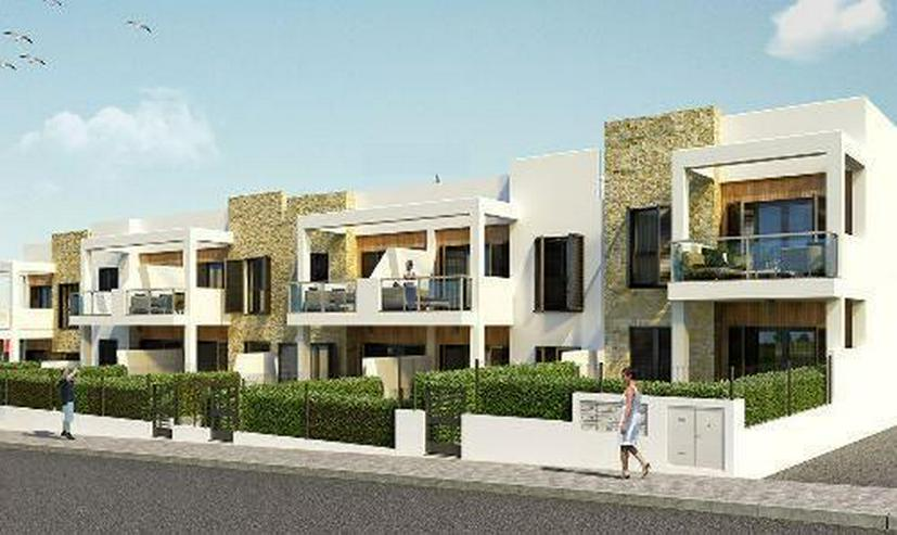 Moderne Obergeschoss-Wohnungen mit Gemeinschaftspool