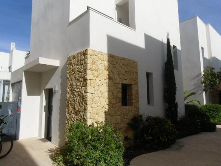 Wunderschöne und moderne Villa mit Privatpool - Bild 1