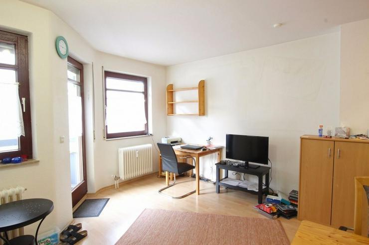Bild 3: Ideal für Singles und Kapitalanleger - Zentrale Wohnung mit Balkon und TG-Stellplatz