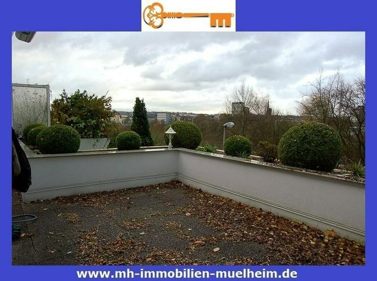 Bild 2: *** ÜBER DEN DÄCHERN VON MÜLHEIM *** Schicke 2 Zimmer Wohnung mit Riesen-Terrasse!!