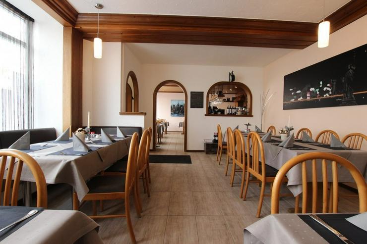 Bild 2: Top-gepflegtes Restaurant mit Wohnung, im Zentrum von S-Plieningen.