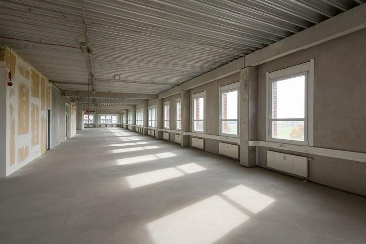 Bild 2: 515 m² BÜROFLÄCHE ZUM AUSBAU MIT TEEKÜCHE & MODERNEN SANITÄRANLAGEN AB 4,95 EUR/m²