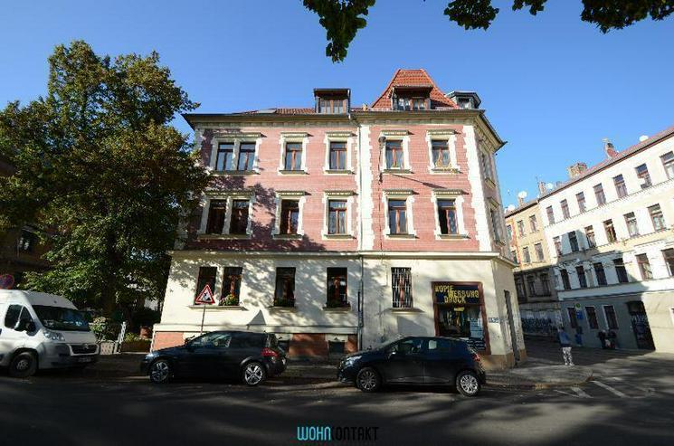 ** Dachgeschosswohnung * 2-Zimmer * EBK * Parkett * - Wohnung mieten - Bild 1