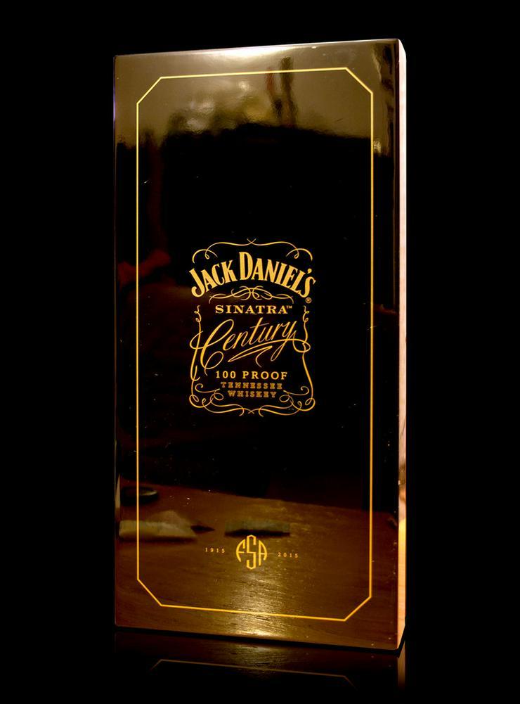 Jack Daniel S Sinatra Century In Nauheim Auf Kleinanzeigen De