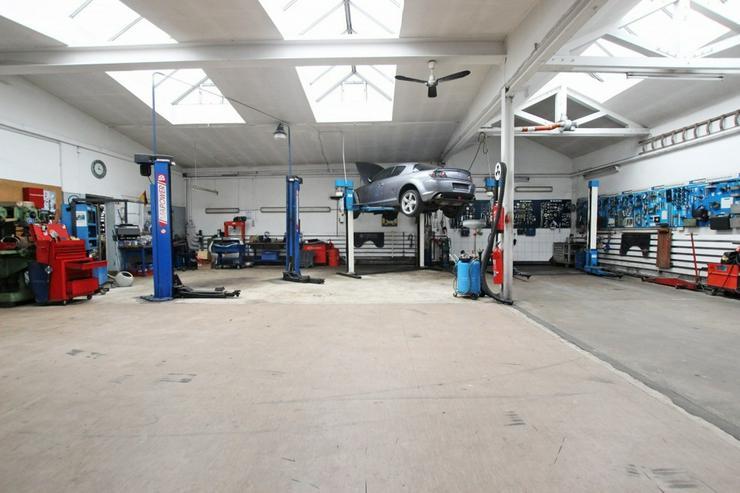 Bild 9: KfZ-Werkstatt mit Verkaufsplatz im Herzen von Ludwigsburg