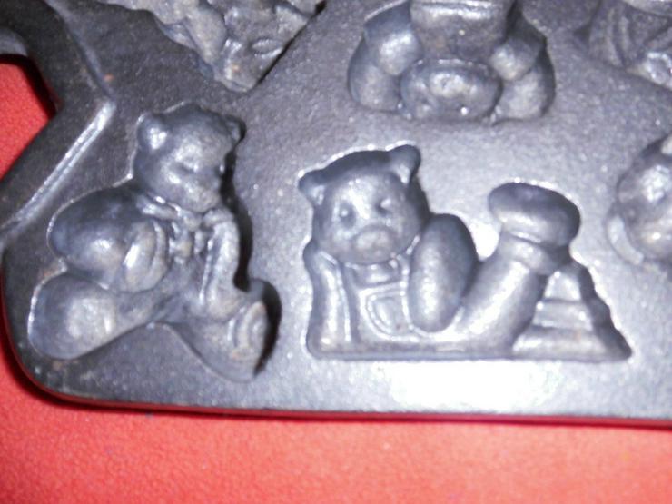 Bild 6: Bärchenpfanne  Gusseisen.